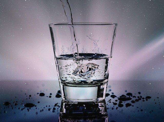 lle powinno się pić wody